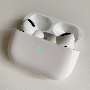 Apple AirPods Pro geöffnet